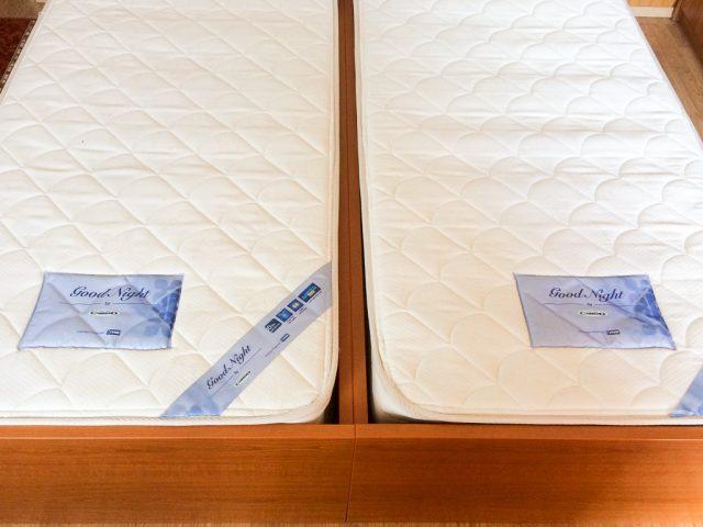Új matracok a dupla ágyon