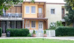 Complete apartment-house