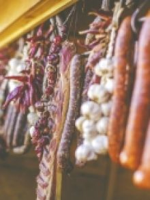 Farmers' market every Friday from 16:00 to 20:00